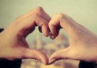 qq情侣网名可爱两个字
