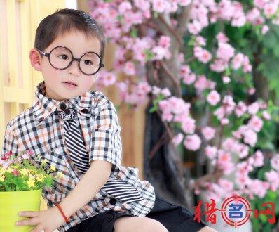 蒋姓男孩取名-姓蒋的男孩钱柜qg777-蒋姓取名