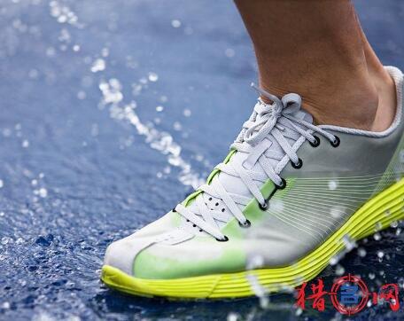 跑鞋品牌钱柜qg777