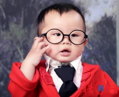 2017杨姓男孩取名100分图片