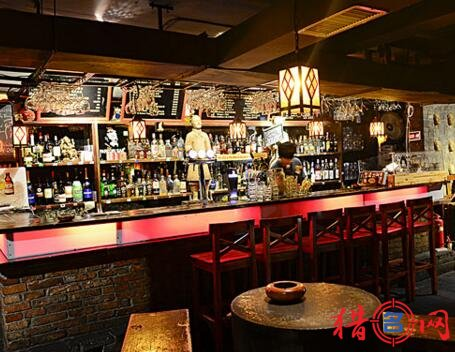 国外酒吧名字大全_主页 名字专题 > 酒吧起名大全  给酒吧起名字,以下是猎名网整理分享